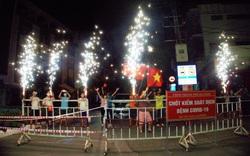 Người dân vui mừng khi được gỡ phong tỏa; một số dịch vụ được hoạt động trở lại tại Đà Nẵng, Quảng Nam
