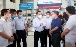 Chủ tịch UBND TP Hà Nội kiểm tra công tác phòng chống dịch tại sân bay Nội Bài, bến xe Mỹ Đình