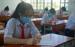 Thí sinh Đà Nẵng đeo khẩu trang, ngồi giãn cách dự thi vào lớp 10