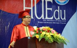 Sinh viên sư phạm tại Huế lần đầu dự lễ tốt nghiệp trực tuyến do dịch Covid-19