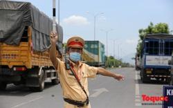 Đà Nẵng: Đội nắng hơn 40 độ C chặn dịch từ cửa ngõ