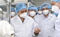 Thủ tướng làm việc với công ty kiến nghị cấp phép khẩn cấp vaccin Nano Covax