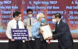 Thủ tướng cảm động khi được biết những em bé dành tiền ăn sáng, các cụ già dành tiền lương hưu để đóng góp vào quỹ vaccine phòng chống COVID-19