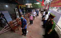 Hơn 1.000 cử tri Hà Nội đi bầu cử lại