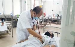 Sốt cao, đau mỏi sau tiêm vaccine COVID-19, người đàn ông đi khám thì bất ngờ biết mình bị... sốt xuất huyết