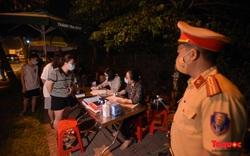Đêm trắng tại những chốt kiểm soát cửa ngõ ra vào Hà Nội