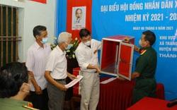 Hà Nội: Khởi tố nguyên Chủ tịch HĐND xã đưa phiếu bầu về nhà tự gạch