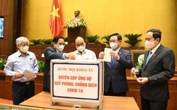 Đại biểu Quốc hội khóa XV quyên góp cho quỹ phòng, chống dịch COVID-19