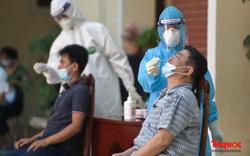Quận Hai Bà Trưng: Xét nghiệm miễn phí người dân có nguy cơ lây nhiễm cao để sàng lọc Covid-19