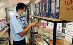 Thu giữ hàng trăm quyển sách Tiếng Anh không hóa đơn chứng từ
