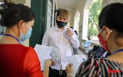 Thí sinh cả nước chính thức bước vào ngày thi đầu tiên Kỳ thi tốt nghiệp THPT