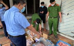 Tạm giữ gần 3.000 kg thực phẩm không rõ nguồn gốc