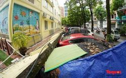 Hà Nội: Bức tường 50m đổ sập trong mưa đè bẹp 13 xế hộp đắt tiền