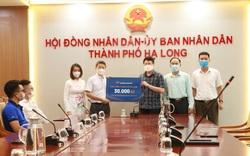 Văn Phú – Invest trao tặng 30.000 bộ xét nghiệm nhanh COVID – 19 cho Thành Phố Hạ Long