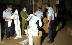 Ngăn chặn kịp thời 8.310 bộ quần áo phòng chống dịch không rõ nguồn gốc xuất xứ