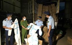 Thu giữ hơn 8.300 bộ quần áo phòng chống dịch không rõ nguồn gốc xuất xứ