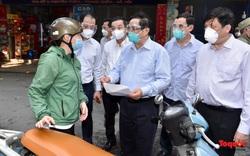 Thủ tướng Phạm Minh Chính đột xuất kiểm tra điểm nóng nhất về COVID-19 tại Quận Thanh Xuân