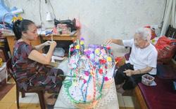 Những người âm thầm giữ văn hóa Hà Nội - Bài 3: Hướng đi nào cho nghề thủ công truyền thống vượt bão Covid -19?