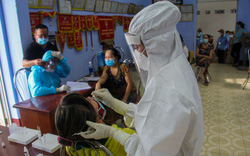 Thừa Thiên Huế tổ chức lấy mẫu tầm soát COVID-19 cho 100% tiểu thương các chợ