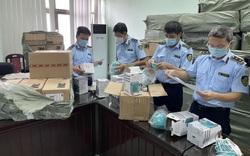Hà Nội: Tạm giữ số lượng lớn khẩu trang 3M, đồ bảo hộ phòng dịch nghi giả mạo