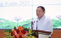 """Bộ trưởng Nguyễn Văn Hùng: """"Thấy được sự hy sinh của tuyến đầu chống dịch để tự soi mình, làm nhiều, cống hiến nhiều hơn"""""""