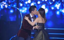 Khán giả bất ngờ với nụ hôn Quang Dũng dành cho Minh Tuyết
