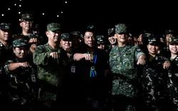 """Duterte đón đầu tranh cãi chịu trách nhiệm nếu """"phá"""" quân luật"""