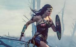 """Bom tấn """"Wonder Woman"""" cứu vãn nền kinh tế nước Anh"""