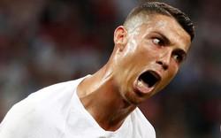 """Cận cảnh thần thái Messi và Ronaldo """"cạn lời"""" trên sân đấu"""