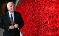 Những lời nhắn nhủ cuối cùng của Thượng nghị sỹ từng bị bắt làm tù binh ở Việt Nam- John McCain