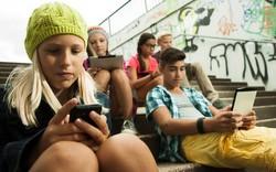 Pháp cấm học sinh sử dụng điện thoại trong trường từ năm học 2018 - 2019