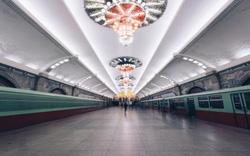 """Bất ngờ với nhà ga tàu điện """"kỳ vĩ"""" của Triều Tiên"""