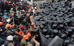 """Nga, Pháp """"bắt tay"""": Dỡ cấm vận, đổi kết thúc máu lửa Ukraine?"""