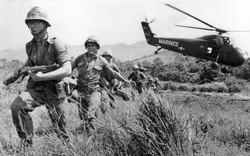 18 giờ phim về chiến tranh Việt Nam: Liều vắc-xin trị căn bệnh trầm kha của người Mỹ