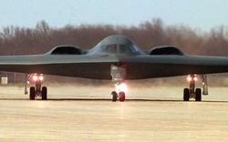 """""""Dằn mặt"""" Triều Tiên, Mỹ """"gửi"""" vũ khí hạt nhân tới Châu Á?"""
