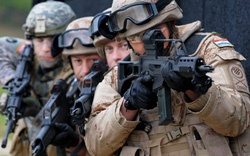 """""""Cái kết đắng"""" của cải tổ NATO trong hàn gắn với Nga?"""