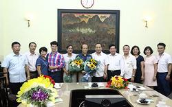 Trao quyết định nghỉ hưu cho Chánh Thanh tra Bộ và Giám đốc Nhà hát Kịch Việt Nam