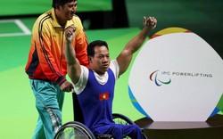 Lực sĩ Lê Văn Công tiếp tục phá kỷ lục thể giới