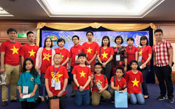 Quận Hoàn Kiếm khen thưởng 55 học sinh đạt thành tích cao tại các kỳ thi toán quốc tế năm 2017