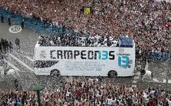 Hàng chục nghìn CĐV phủ kín thành Madrid chào đón nhà đương kim vô địch