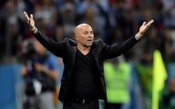 """Phát biểu """"kém sang"""" sau trận thua Croatia, HLV Sampaoli nhận đủ gạch từ CĐV"""
