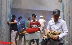 Lại cháy lớn ở Hà Nội, công nhân hoảng loạn tháo chạy