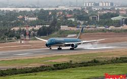Hai chuyến bay quốc tế phải hoãn vì chim va động cơ máy bay
