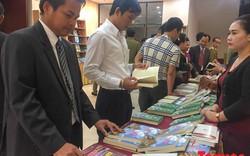 Phó Thủ tướng Lào viết sách về cán bộ, chuyên gia Việt trên đất Triệu Voi