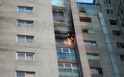 Cháy tầng 18 chung cư CT3 Bắc Hà, Mộ Lao, Hà Đông gây tắc đường