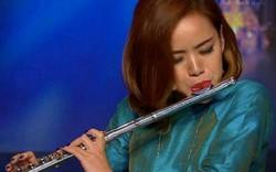 Nghệ sĩ trẻ Huyền Trang đam mê âm nhạc dân tộc