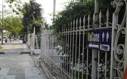Hàng chục biển báo mời gọi khách du lịch sử dụng nhà vệ sinh miễn phí khi đến Huế