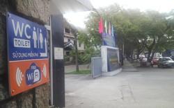 Nhiều đơn vị ở Huế treo biển nhà vệ sinh miễn phí cho du khách