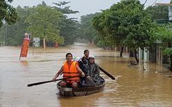 Nhiều nhà dân ở Đà Nẵng vẫn đang ngập trong lũ