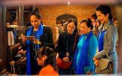 Hình ảnh phu nhân, phu quân lãnh đạo APEC ở Làng lụa Hội An